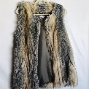 Xhilaration Laddies Faux Fur Vest